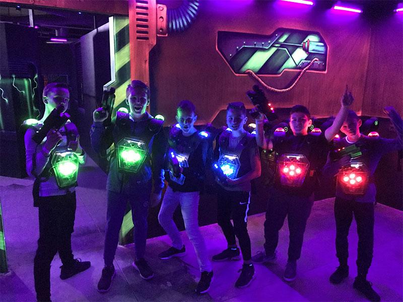 Voor glow in the dark midgetgolf kom je naar The Maxx Veenendaal